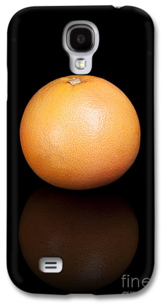 Studio Photographs Galaxy S4 Cases - Grapefruit on a black reflective background Galaxy S4 Case by Sara Winter