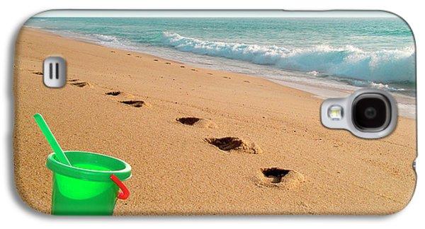 Plastic Galaxy S4 Cases - Green Bucket  Galaxy S4 Case by Carlos Caetano