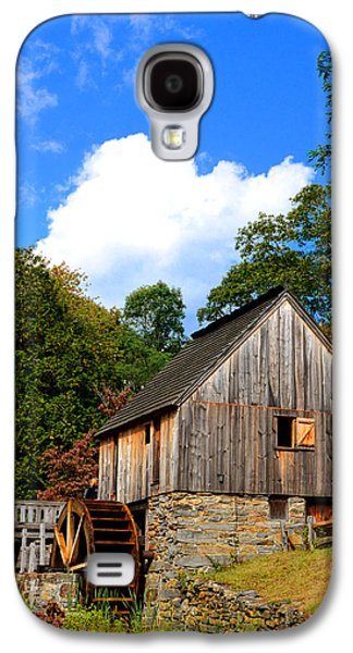 Grist Mill Paintings Galaxy S4 Cases - Hammond Gristmill Rhode Island Galaxy S4 Case by Lourry Legarde