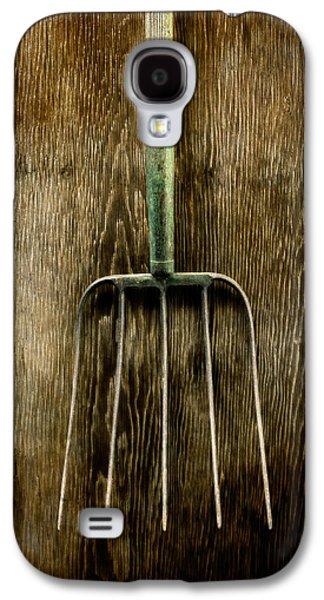 Hay Galaxy S4 Cases - Tools On Wood 7 Galaxy S4 Case by Yo Pedro