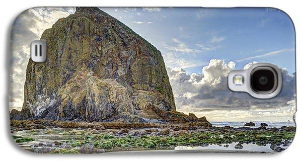 Alga Galaxy S4 Cases - Haystack Rock at Low Tide HDR Galaxy S4 Case by Marv Vandehey