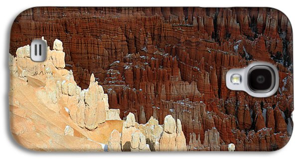 Colum Galaxy S4 Cases - Hoodoos of inspiration point in the sunlight Galaxy S4 Case by Pierre Leclerc Photography