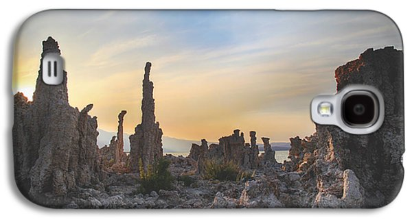 Landscapes Photographs Galaxy S4 Cases - I Will Overcome Galaxy S4 Case by Laurie Search