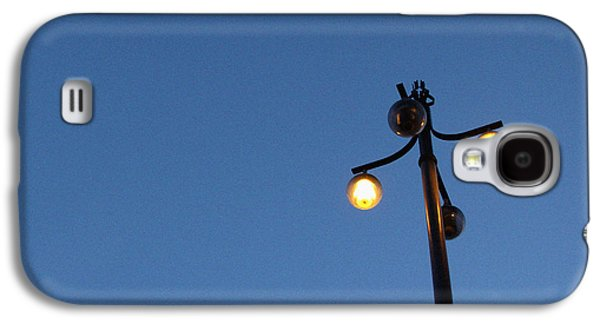 Lamp Post Mixed Media Galaxy S4 Cases - Illuminated Galaxy S4 Case by Linda Woods