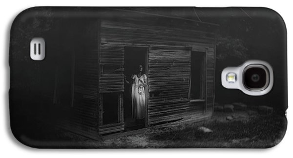 In Fear She Waits Galaxy S4 Case by Tom Mc Nemar