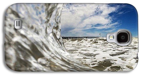 Ocean Art Photos Galaxy S4 Cases - In The Drink Galaxy S4 Case by Dan Holm