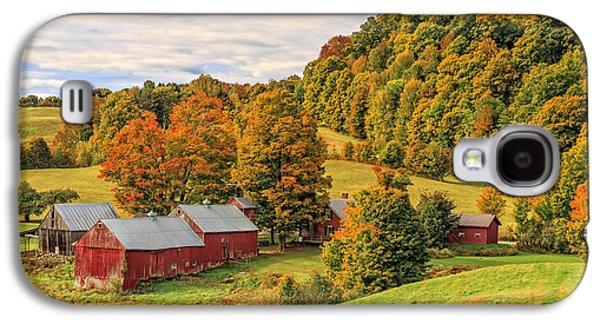 Landscapes Photographs Galaxy S4 Cases - Jenne Farm Vermont Landscape Autumn Galaxy S4 Case by Edward Fielding
