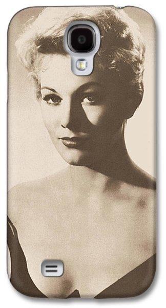 Kim Novak Actress Circa 1955 Galaxy S4 Case by Douglas Settle