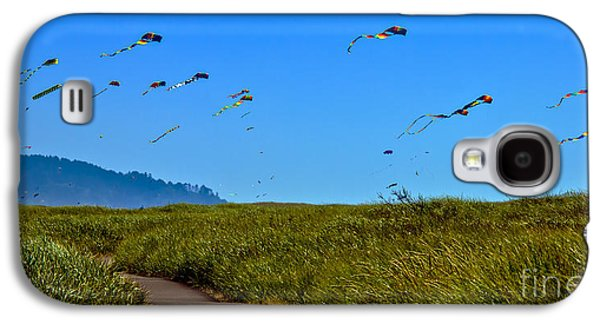 Haybale Galaxy S4 Cases - Kites Galaxy S4 Case by Robert Bales