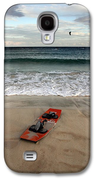 Action Photographs Galaxy S4 Cases - Kitesurfing Galaxy S4 Case by Stylianos Kleanthous