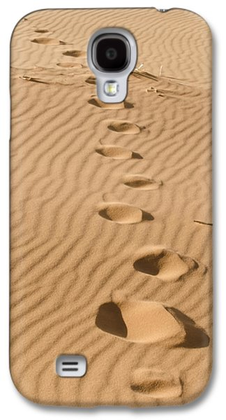 Old Fence Posts Galaxy S4 Cases - Leave only Footprints Galaxy S4 Case by Heather Applegate