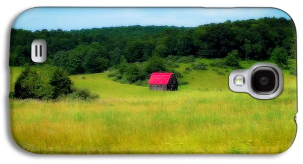 Little Red Barn Galaxy S4 Case by Karen Wiles