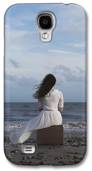 Girl Galaxy S4 Cases - Looking To The Horizon Galaxy S4 Case by Joana Kruse
