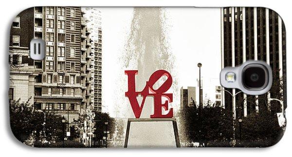 Statue Galaxy S4 Cases - Love in Philadelphia Galaxy S4 Case by Bill Cannon