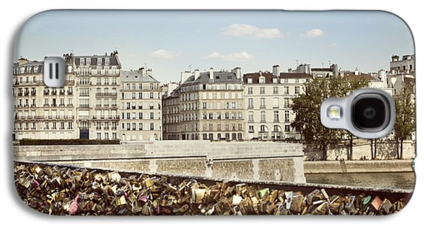 Landscapes Photographs Galaxy S4 Cases - Love Locks in Paris Galaxy S4 Case by Juli Scalzi