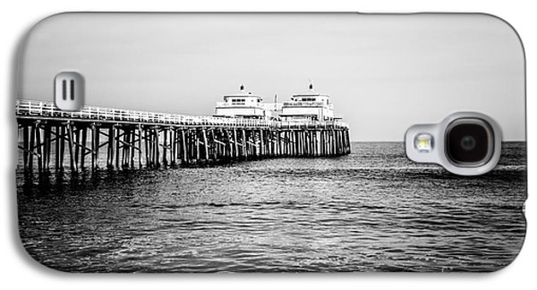 Landmarks Photographs Galaxy S4 Cases - Malibu Pier Black and White Picture in Malibu California Galaxy S4 Case by Paul Velgos