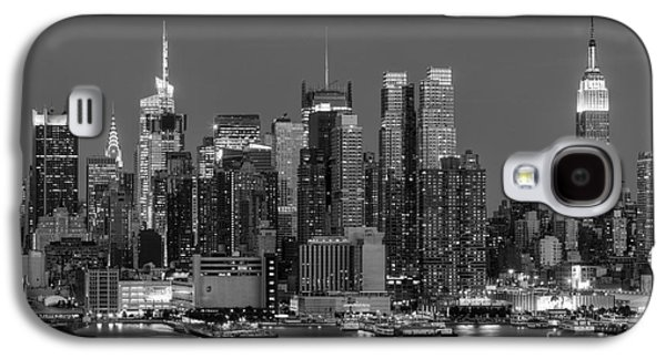 Manhattan Twilight Iv Galaxy S4 Case by Clarence Holmes