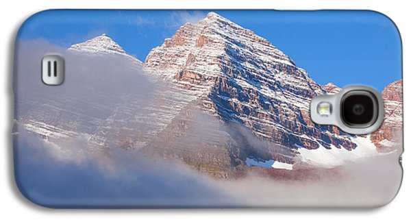 Landscape Framed Prints Galaxy S4 Cases - Maroon Peak Lifting Fog Galaxy S4 Case by Darren  White