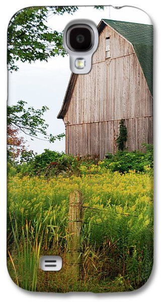 Old Fence Posts Galaxy S4 Cases - Michigan Barn Galaxy S4 Case by Michael Peychich