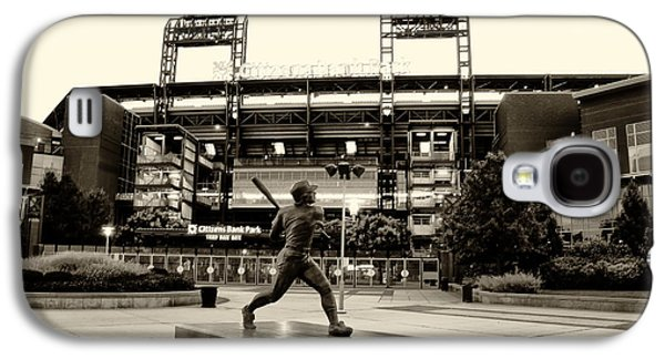 Phillie Galaxy S4 Cases - Mike Schmidt in Sepia Galaxy S4 Case by Bill Cannon