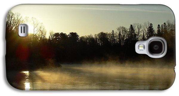 Waterscape Pyrography Galaxy S4 Cases - Mississippi river Dawn light rays Galaxy S4 Case by Kent Lorentzen