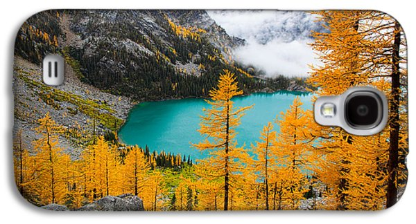 Landscapes Photographs Galaxy S4 Cases - Misty Colchuck Lake Galaxy S4 Case by Inge Johnsson