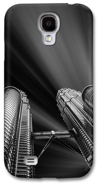 Financial Mixed Media Galaxy S4 Cases - Modern skyscraper black and white picture Galaxy S4 Case by Stefano Senise