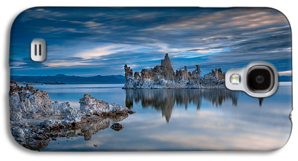 Mono Lake Tufas Galaxy S4 Case by Ralph Vazquez
