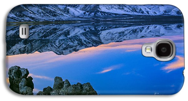 Californian Galaxy S4 Cases - Mono Lake Twilight Galaxy S4 Case by Inge Johnsson