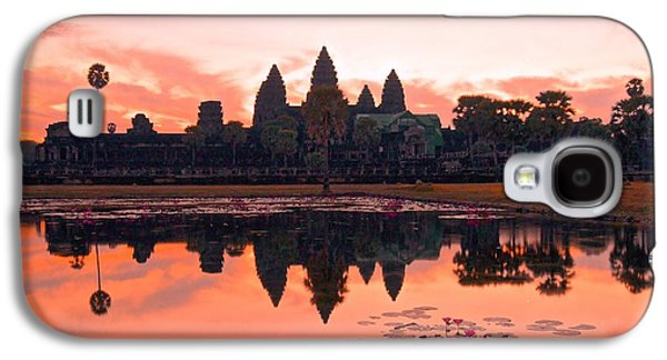 Ancient Galaxy S4 Cases - Morning rising Angkor Wat Galaxy S4 Case by Lenore Holt-Darcy