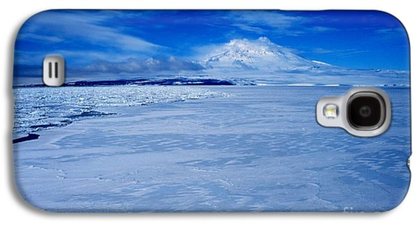 Ross Paintings Galaxy S4 Cases - Mount Erebus on Ross Island Galaxy S4 Case by Celestial Images