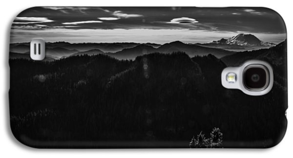Mount Rainier With Rolling Hills Galaxy S4 Case by Pelo Blanco Photo