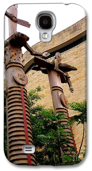National Museum Of The American Indian 3 Galaxy S4 Case by Randall Weidner