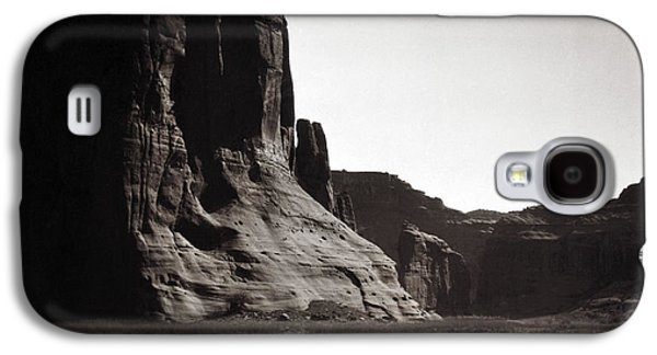 Geology Photographs Galaxy S4 Cases - Navajos: Canyon De Chelly, 1904 Galaxy S4 Case by Granger
