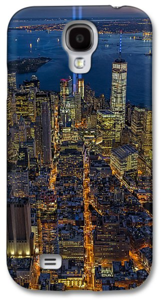 Wtc 11 Galaxy S4 Cases - New York City Remembers September 11 - Galaxy S4 Case by Susan Candelario
