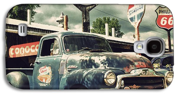 Old Trucks Photographs Galaxy S4 Cases - North Shore Garage Galaxy S4 Case by Joel Witmeyer