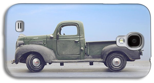 Old 1940s Plymouth Green Truck Galaxy S4 Case by Edward Fielding