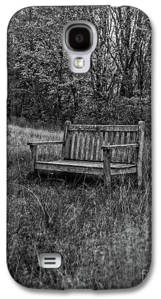 Old Bench Concord Massachusetts Galaxy S4 Case by Edward Fielding