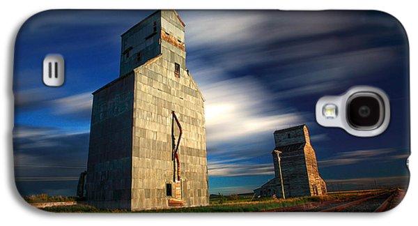 Old Grain Elevators Galaxy S4 Case by Todd Klassy