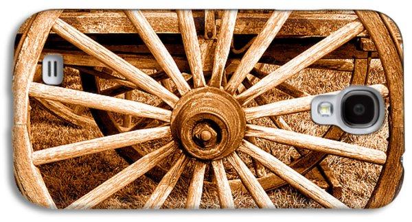 Old Prairie Schooner Wheel - Sepia Galaxy S4 Case by Olivier Le Queinec