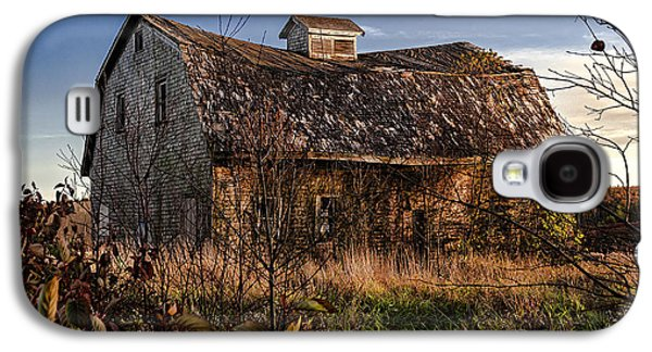 Old Maine Barns Galaxy S4 Cases - Old Rustic Barn Galaxy S4 Case by Marty Saccone