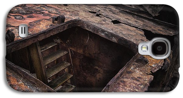 Photographs Galaxy S4 Cases - Old Rusty Ship Galaxy S4 Case by Edgar Laureano