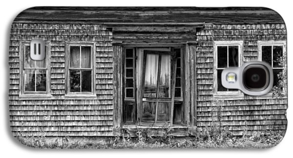 House Digital Art Galaxy S4 Cases - Old Wood Shingle House Black and White Photograph Galaxy S4 Case by Keith Webber Jr