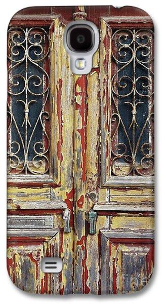 Old Wooden Doors Galaxy S4 Case by Carlos Caetano