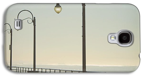 Ocean Art Photos Galaxy S4 Cases - On The Pier Galaxy S4 Case by Linda Woods