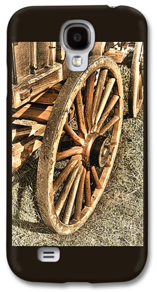 Wagon Photographs Galaxy S4 Cases - Oregon Trail  Galaxy S4 Case by Olivier Le Queinec