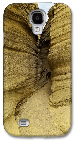Landscapes Photographs Galaxy S4 Cases - Path through the tent rocks Galaxy S4 Case by Jeff  Swan