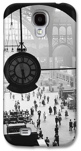 Penn Station Clock Galaxy S4 Case by Van D Bucher and Photo Researchers