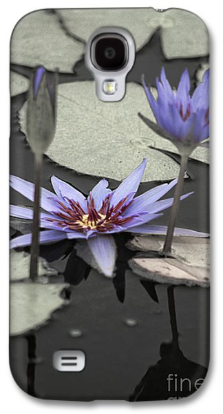 Petals Floating On Water Galaxy S4 Case by Ella Kaye Dickey