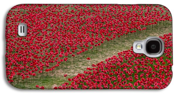 Poppies Of Remembrance Galaxy S4 Case by Martin Newman